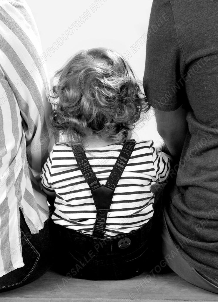 Portrait d'enfant en noir et blanc