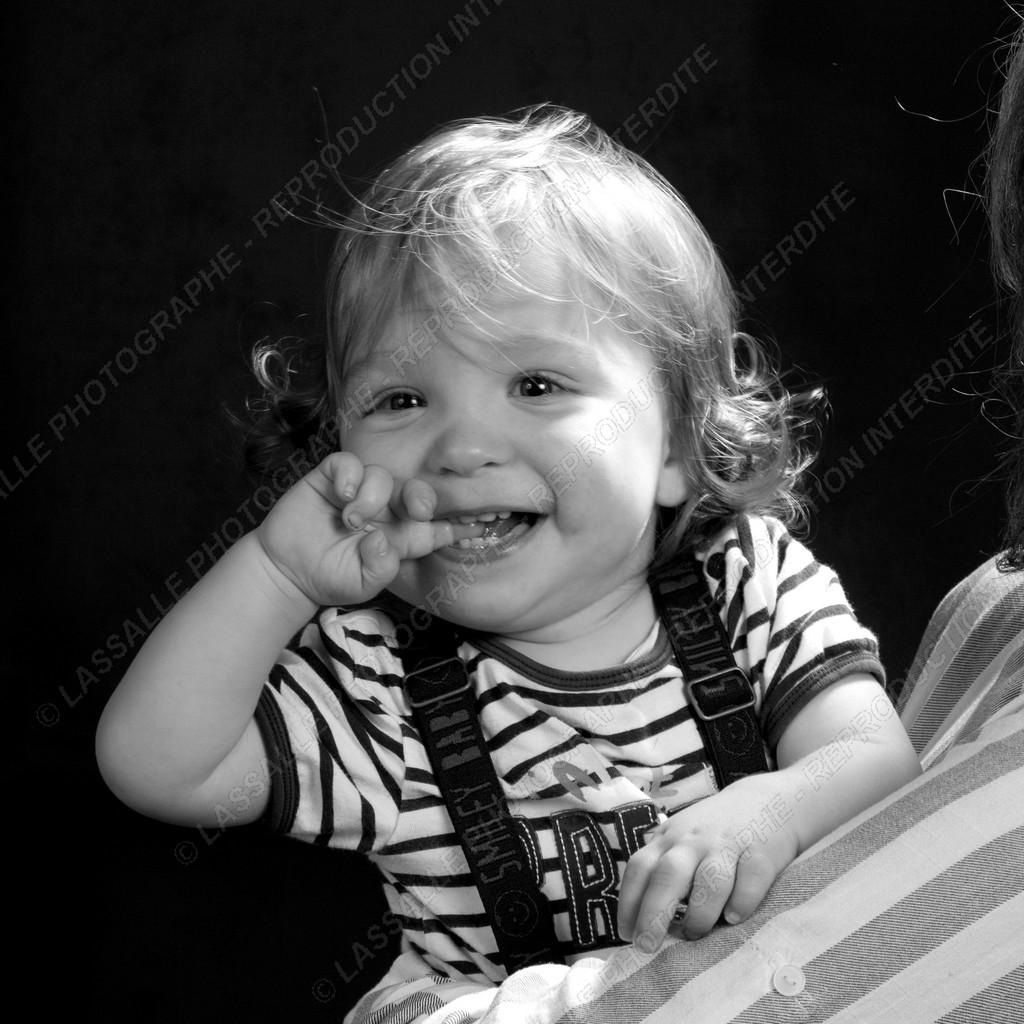 Photo de bébé heureux